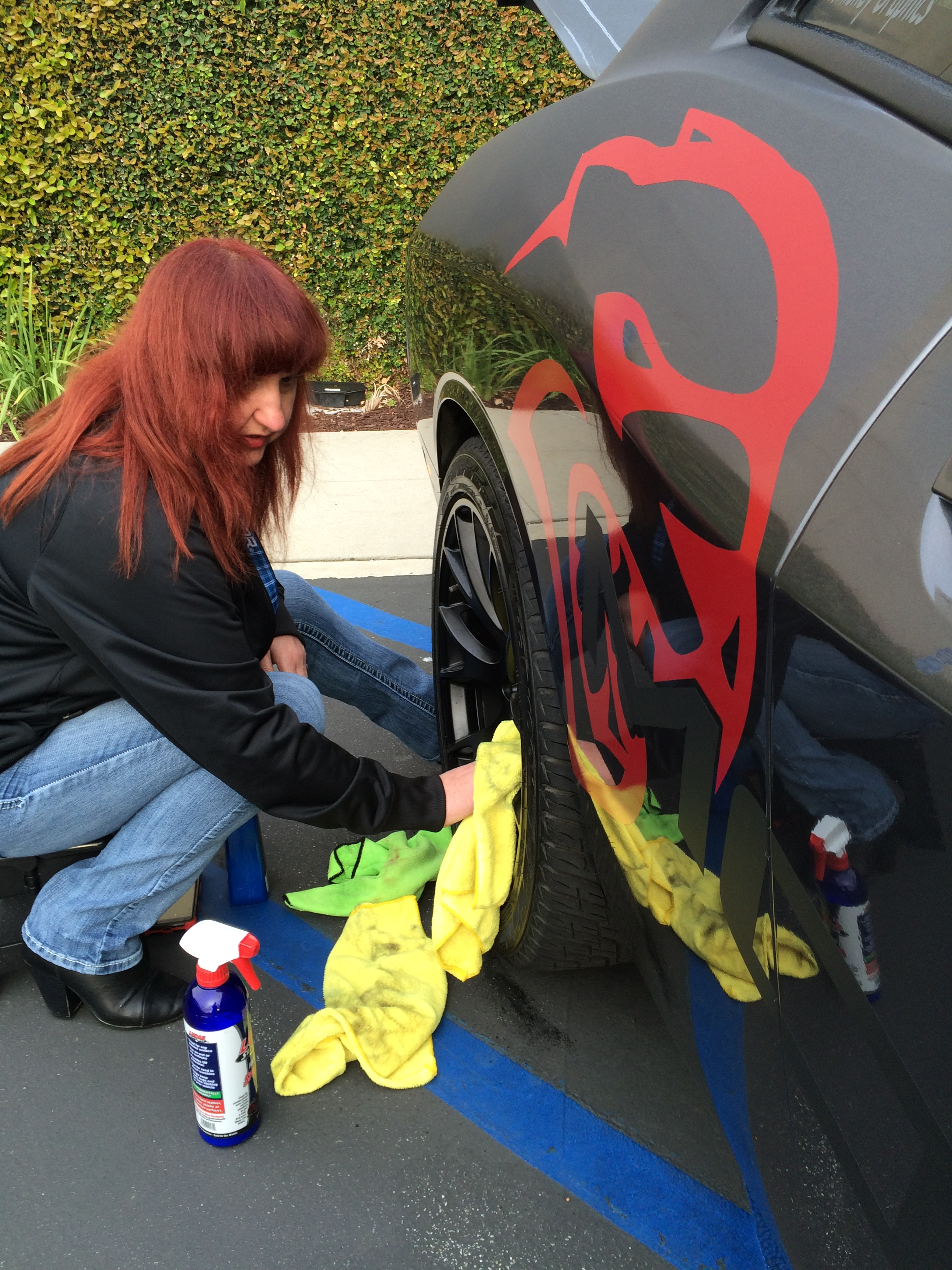 Mopar Shakers of the Plains member Rei Pittman is up & cleaning up her Dodge Challenger SRT Hellcat.