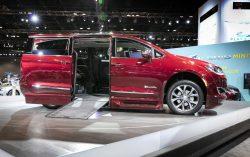 Chrysler Pacifica BraunAutomobility minivan